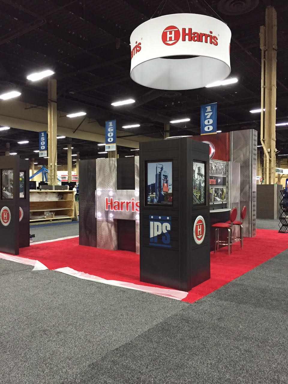 Trade Show Booth Equipment : Harris steals the show with recyclable booth gilson graphics